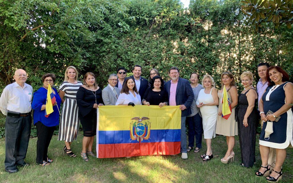 Grupo que apoya a Gina Bermeo de Bolaños