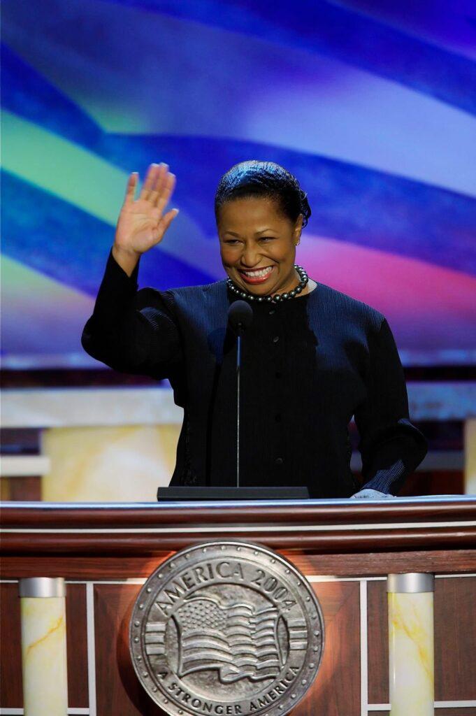 Carol Moseley Braun, fue la primera mujer afroamericana elegida para el Senado