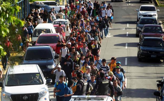 Caravana de salvadoreños