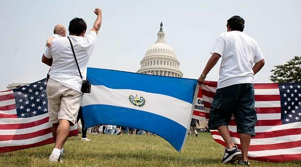 Migrantes salvadoreños en EEUU