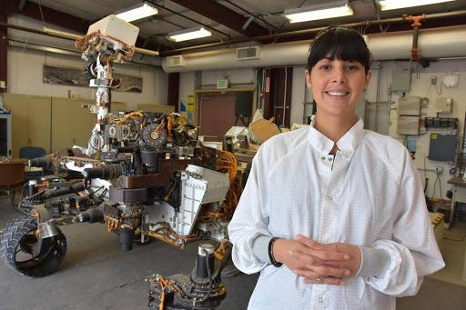 Diana Trujillo y el Robot