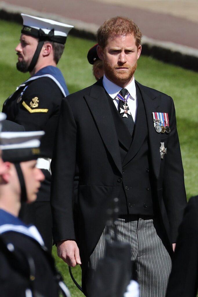 El Príncipe Harry lució la estrella de la Real Orden Victoriana