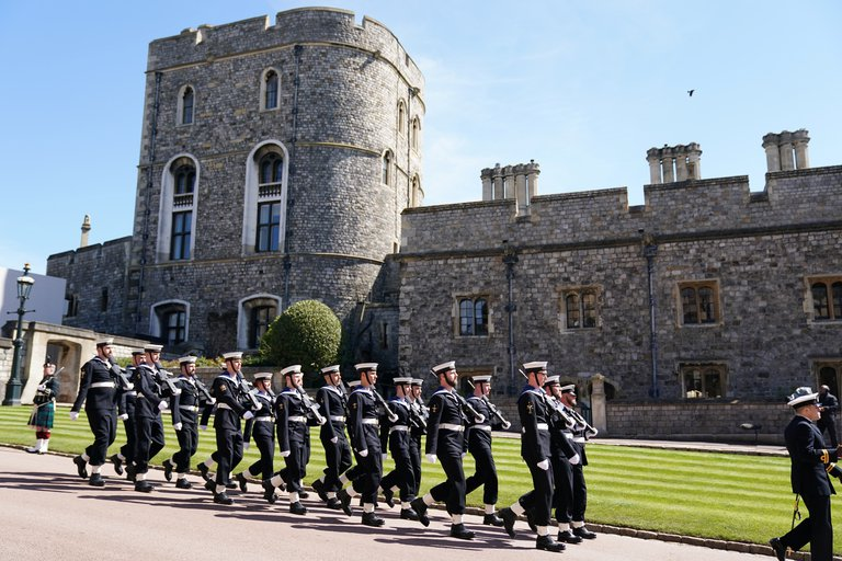 El funeral tuvo gran presencia de efectivos militares (700 efectivos de las fuerzas armadas) por pedido expreso del Duque de Edimburgo, quien durante toda su vida tuvo una estrecha relación con el Ejército