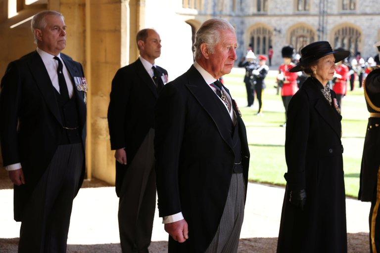 Los príncipes Carlos, Ana, Andrés y Eduardo- los cuatro hijos de la reina Isabel y el príncipe Felipe