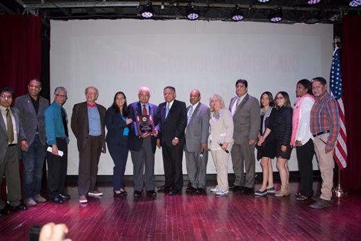 Grupo de representantes en el Congreso Hispanoamericano