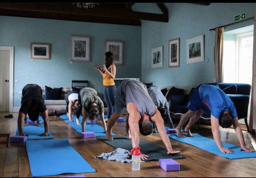 El Yoga te ayuda a sentir, conectar y observar